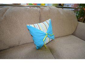 Декоративная подушка оранжевая с полосатым кантом 40х40(см)