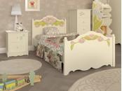 """Детская комната для девочек """"Эльфы"""" в белом цвете с рисунками"""
