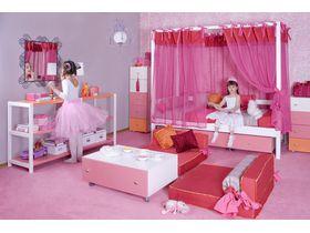 """Детская комната для девочки """"Принцесса"""" с кроватями из массива бука"""